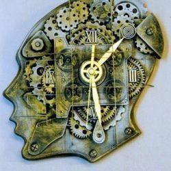 Настенные часы Мозговой центр