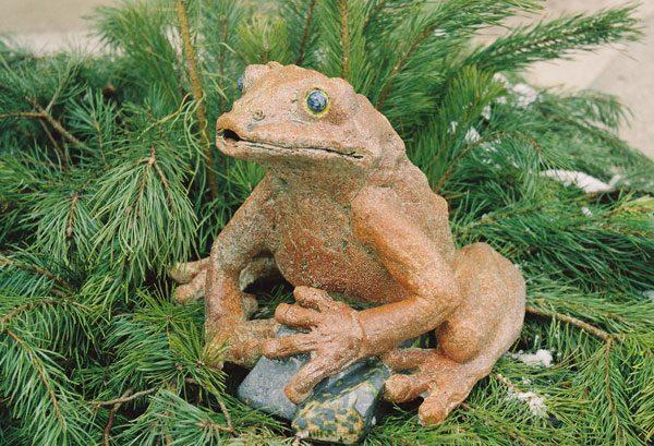 Скульптура «Лягуха»