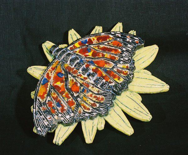 Объект: настенное панно или для сада «Бабочка на цветке»