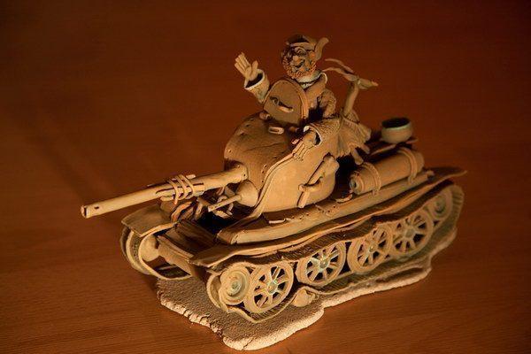 """Скульптура """"Танк и танкисты"""""""