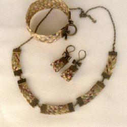 Колье, браслет и серьги из соломки