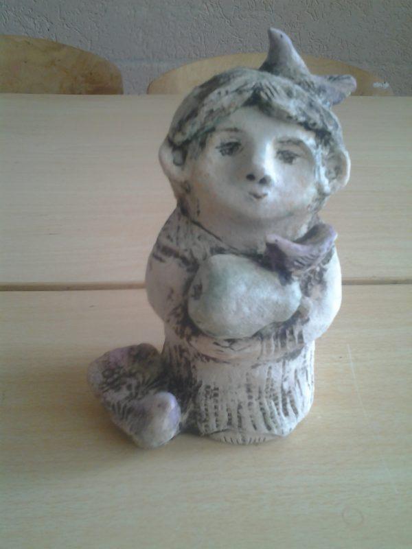 """Скульптурка """"Мальчик с грушей"""""""