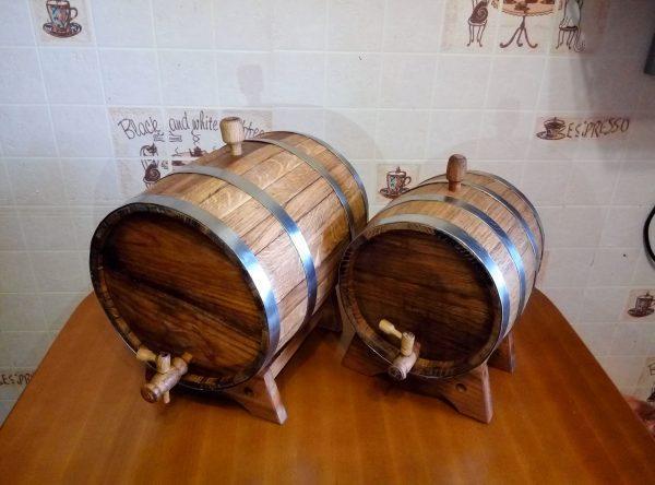 Бочка дубовая для вина и крепких напитков