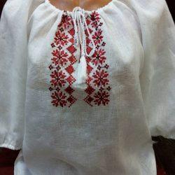 Вышиванка (блузка женская)