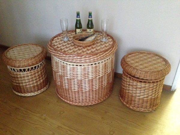 Лозовый гарнитур (стол-короб, банкетка-короб)
