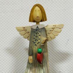 Ангел деревянный с сердцем