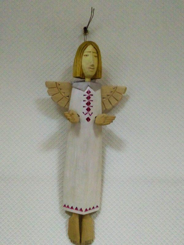 Ангел деревянный в вышиванке