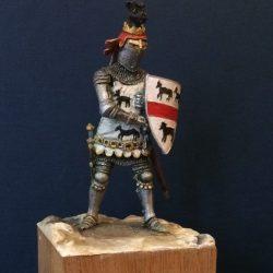 Оловянный солдат на постаменте