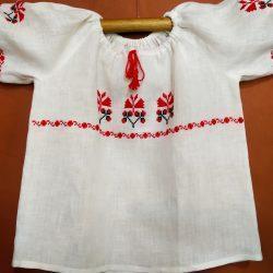 Блузка-вышиванка для девочки
