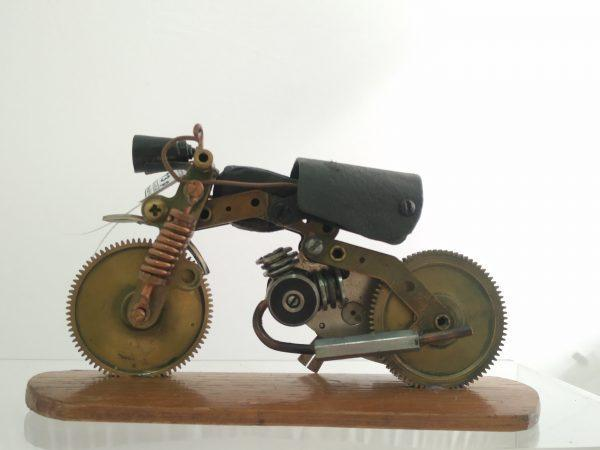 Кастом - эксклюзивно построенный мотоцикл