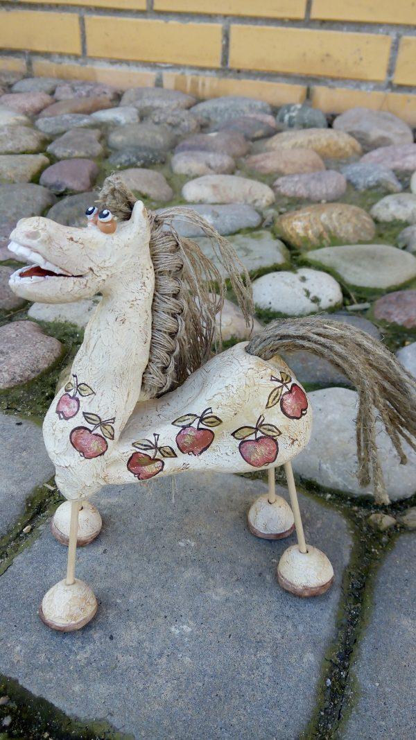 Керамическая фигурка,скульптура.Лошадка.