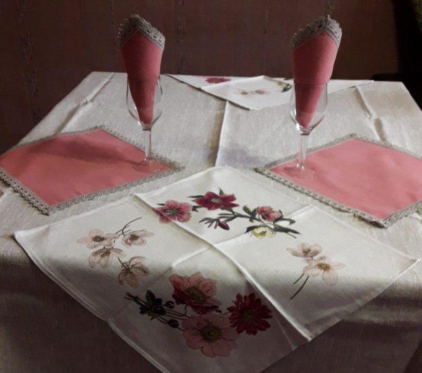 Комплект столовый из льна