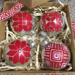Шар новогодний с белорусским орнаментом