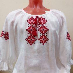 Блузка женская с вышивкой народного белорусского орнамента