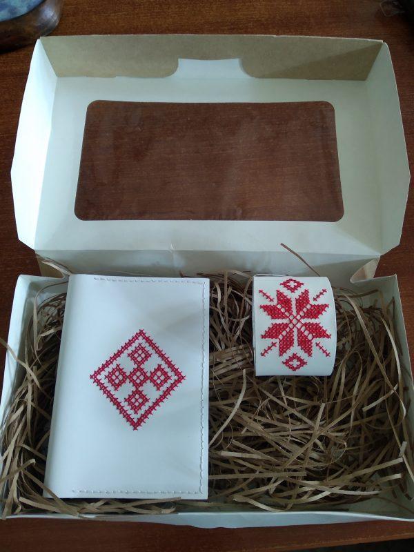 Очешник (или обложка для паспорта) и браслет (подарочный набор)