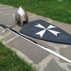 Щит, меч и шлем -  реконструкция