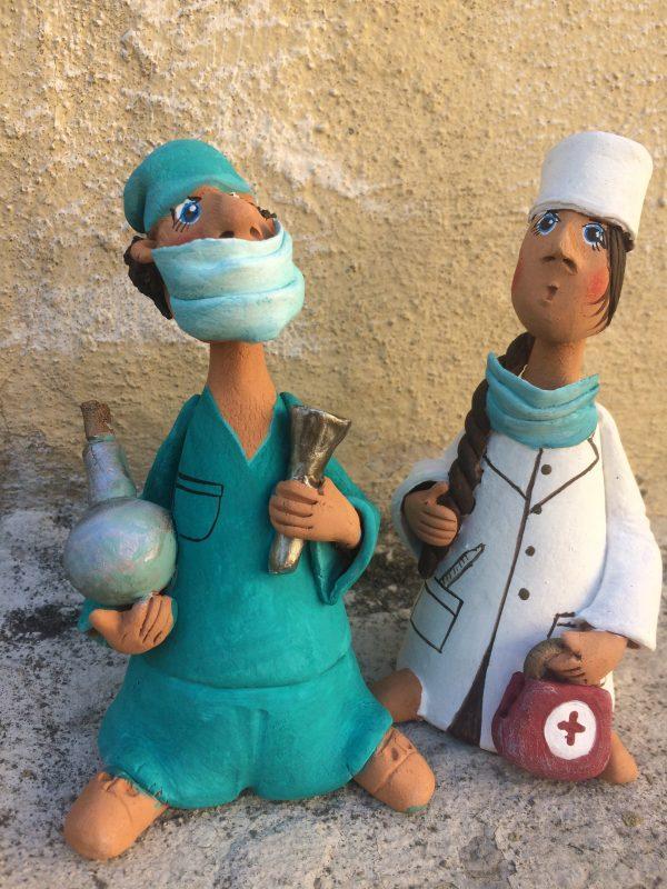 Доктор,керамическая фигурка,подарок.