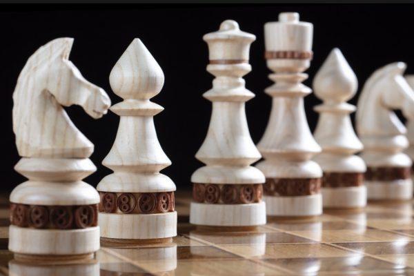 """Шахматы деревянные с инкрустацией """"скань"""""""