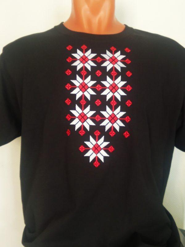 Майка - вышиванка с белорусским орнаментом. Мужская