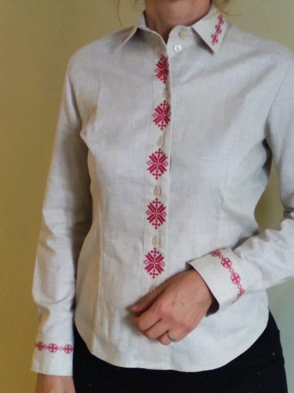 Рубашка с вышивкой женская
