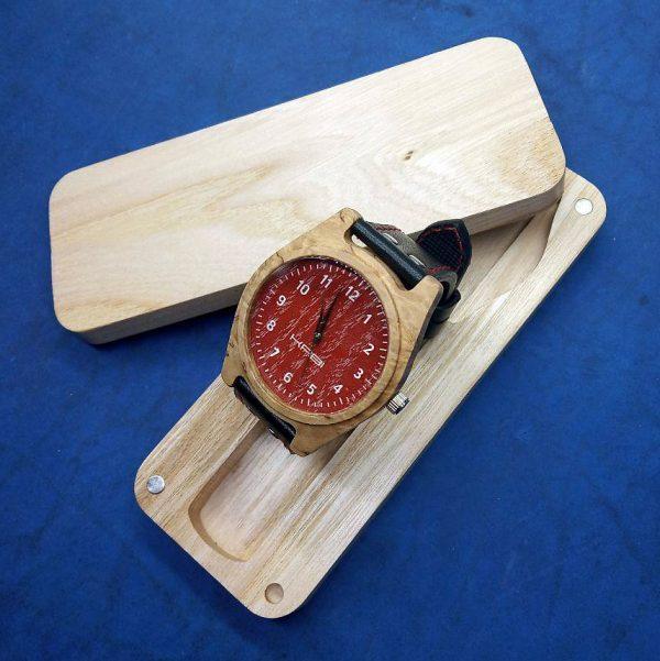 Наручные авторские часы К011