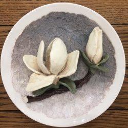 Керамическая тарелка.Объемная керамика с росписью.