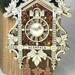 """Магнит деревянный с янтарем на холодильник """" Часы"""""""