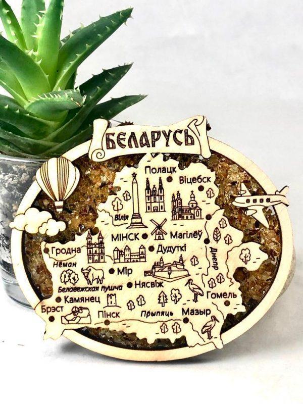 """Магнит деревянный с янтарем на холодильник """" Карта"""""""