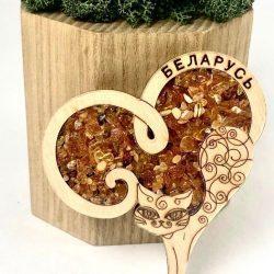 """Магнит деревянный с янтарем на холодильник """" Кот из Беларуси"""""""