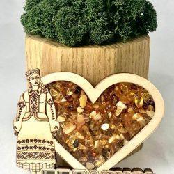 """Магнит деревянный с янтарем на холодильник """" Я люблю Беларусь"""""""