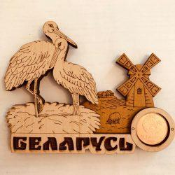 "Магнит деревянный с монетой "" Два аиста"""