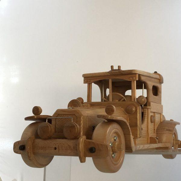 Сувенирный ретро-автомобиль