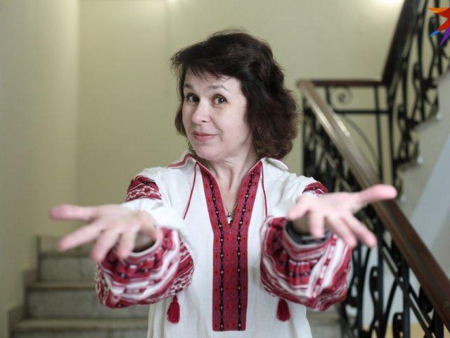 Тканая юбка весит 2,5 кг, рубашка с вышивкой - около 1 кг: как выглядит, сколько стоит и где взять национальный белорусский костюм напрокат.