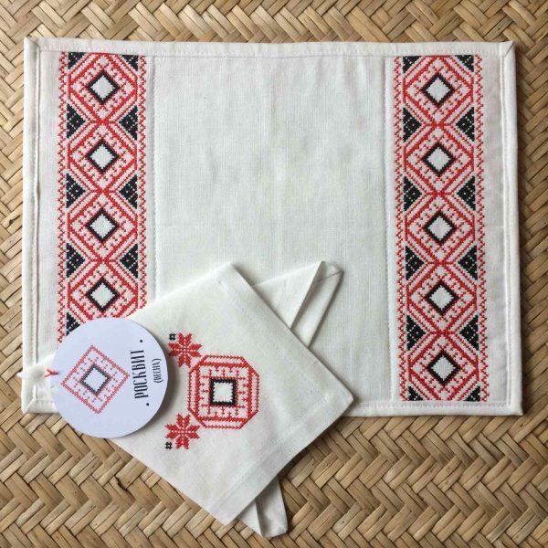 Плейсмат+салфетка с вышивкой белорусских символов